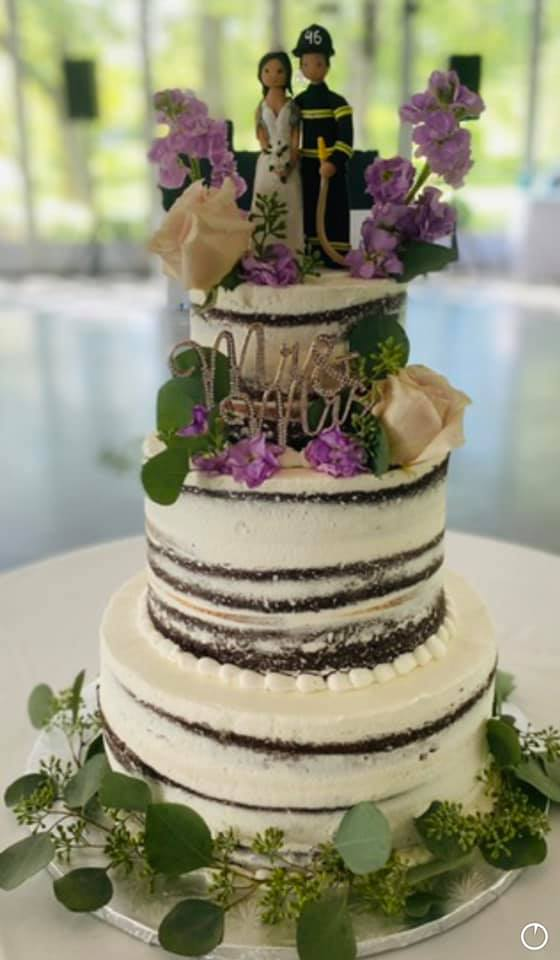 Wedding Cakes and Deserts